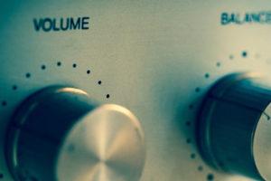 ヘッドホンアンプの効果でいつもの音が改善!おすすめ商品もご紹介!